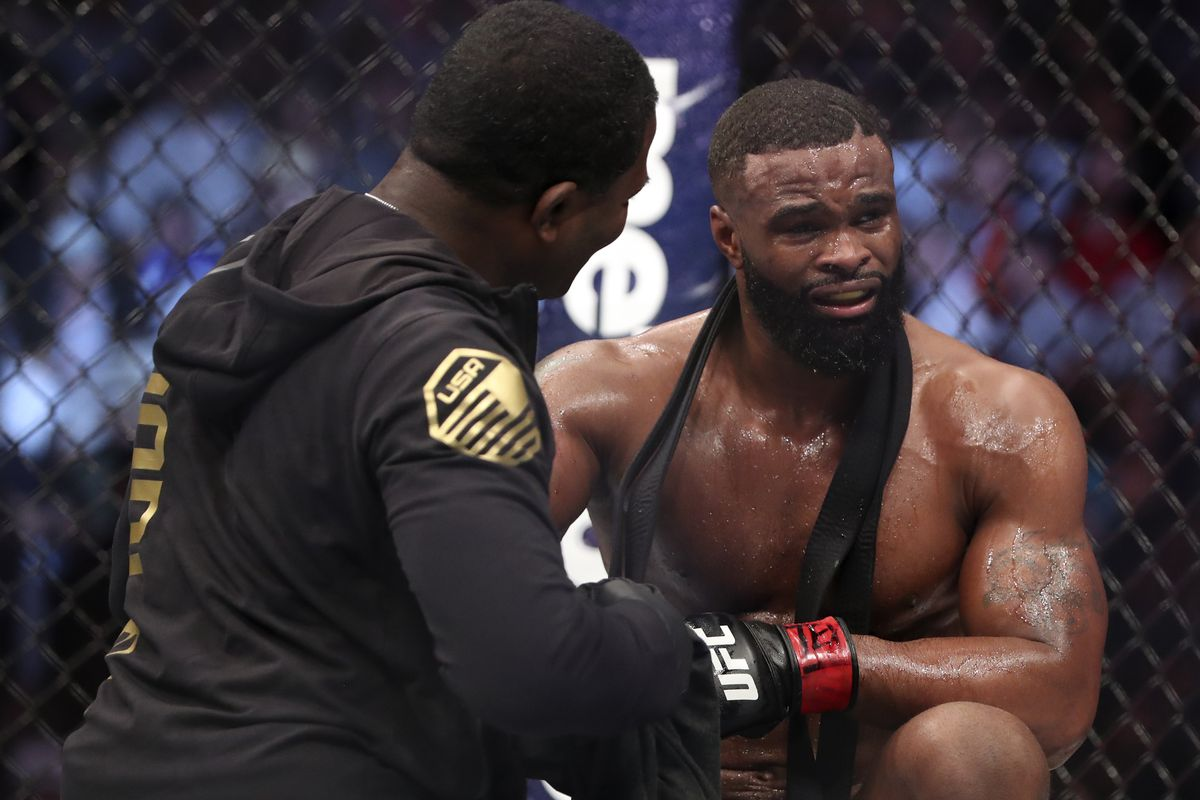 Tyron Woodley out of Robbie Lawler rematch -