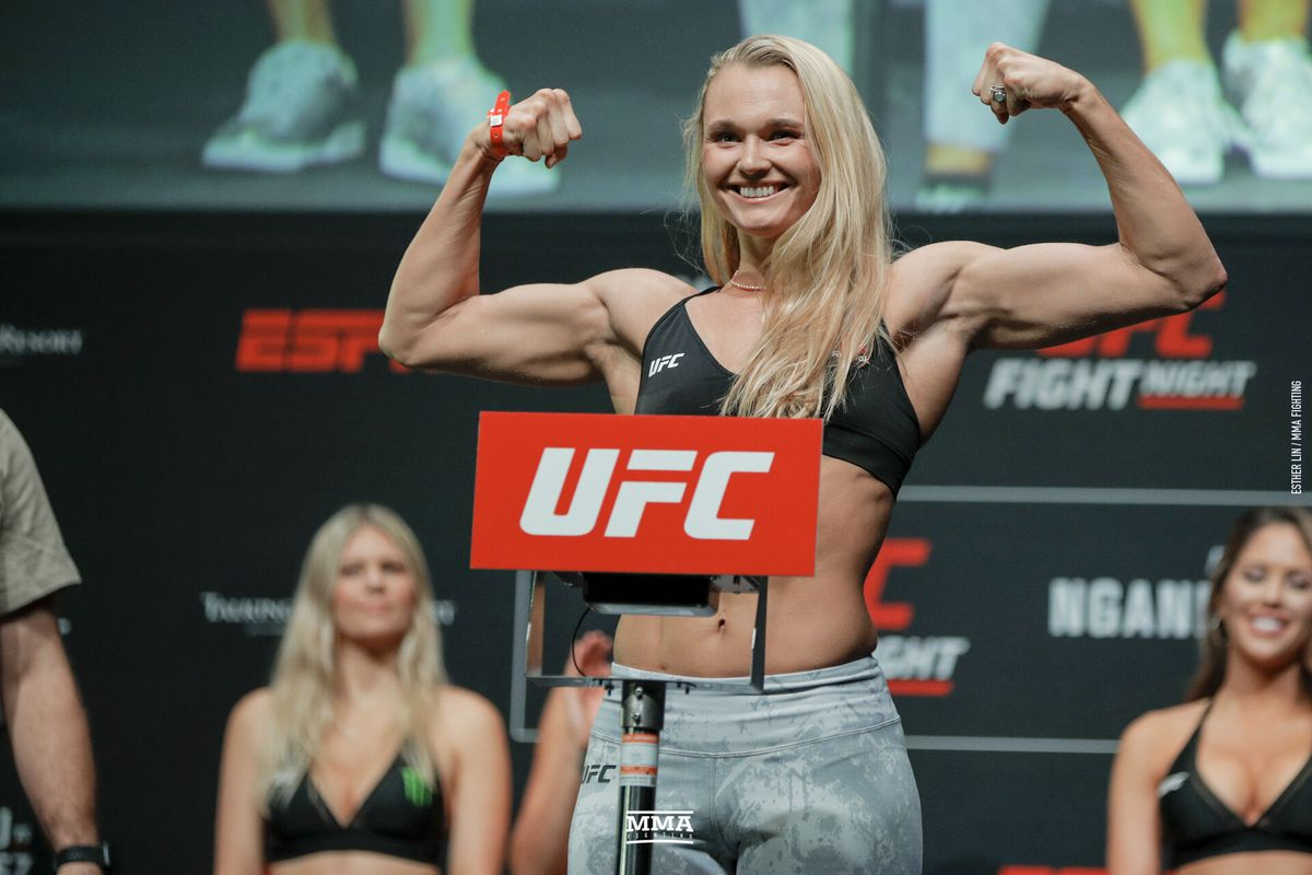 UFC Fight Night 154 Results - Andrea Lee defeats Her Former Training Partner Montana De La Rosa via Unanimous Decision -
