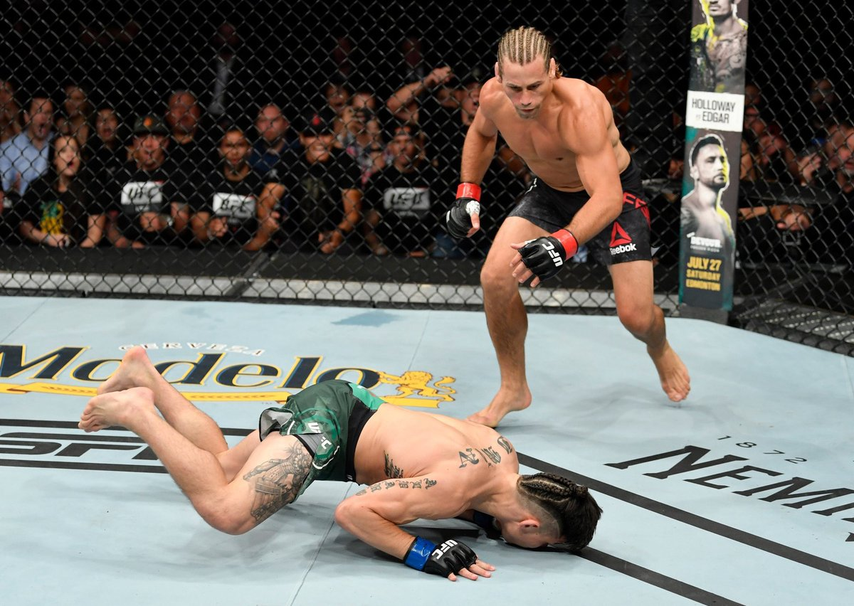 Twitter reacts to Urijah Faber's incredible first round KO win over Rikcy Simon - Faber