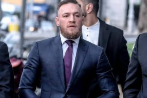 Conor McGregor reportedly took off his shirt and flexed after pub attack - McGregor