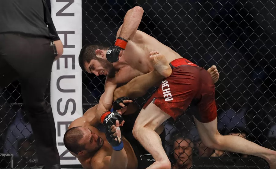 UFC 242 Results - Islam Makhachev Picks Up A Clean Victory After Three Rounds of Dominance -