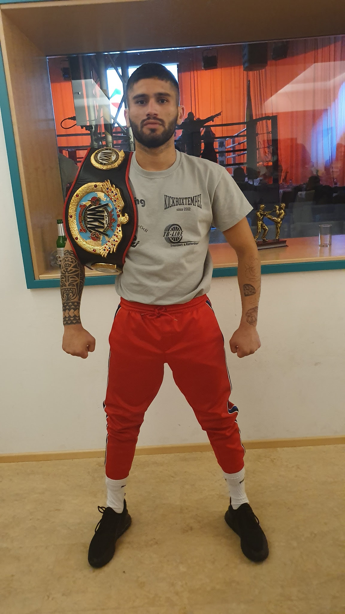 Jan Szajko earns WKN World Super Bantamweight title in Ingolstadt, Germany - Kickoxing