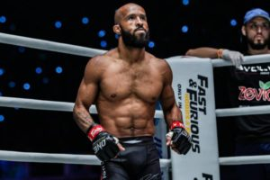 Demetrious Johnson defeats Danny Kingad to win Flyweight grand prix - Demetrious