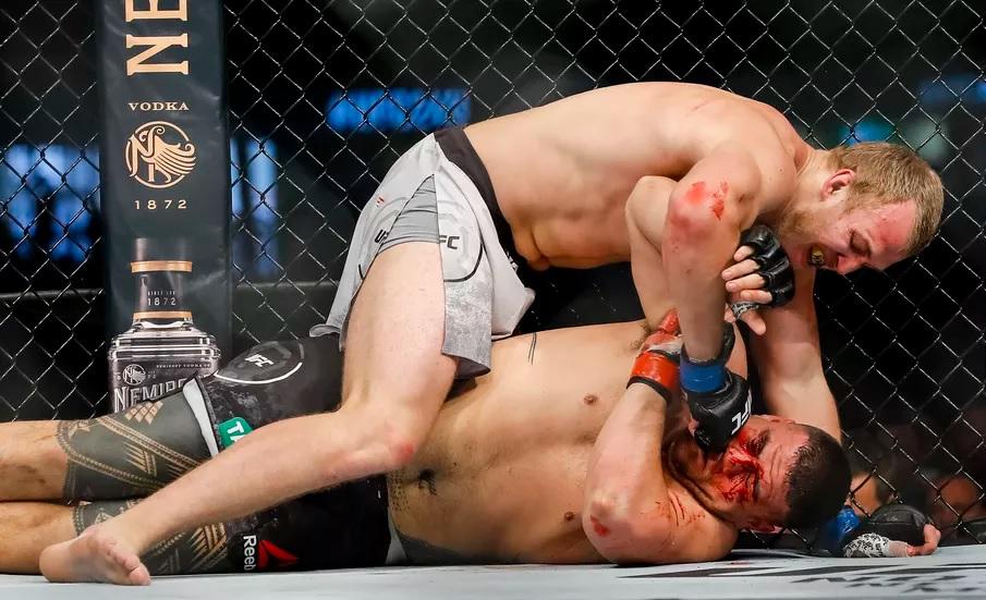 UFC 243 Results - Serghei Spivac Chokes Out Heavy Favourite Tai Tuivasa in Round 2 -