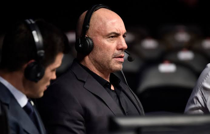 UFC: Joe Rogan spits fire at MMA judges who've 'never ever f***ing trained' - Rogan