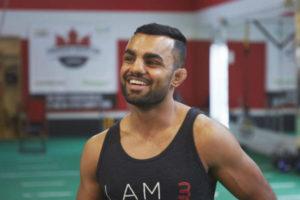 VIDEO: Reece Mclaren chokes out Gurdarshan Mangat in the first round - Mangat