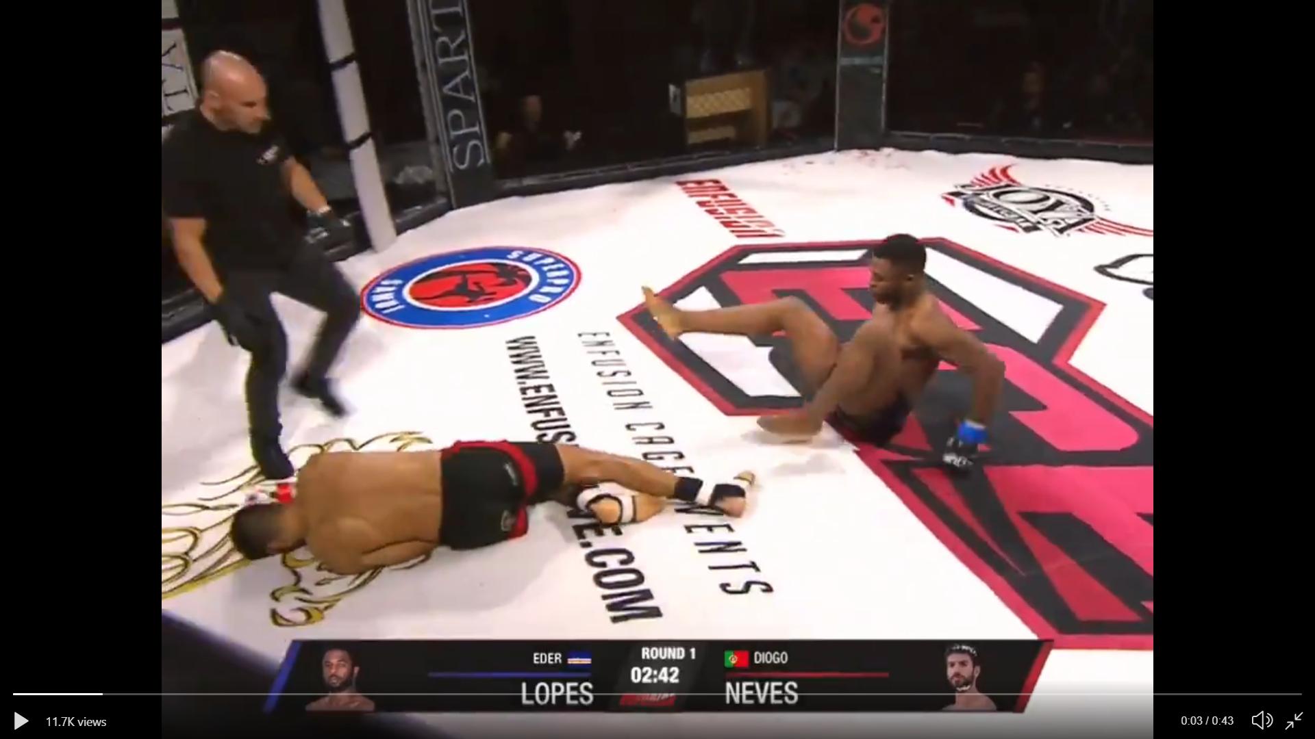 Watch: Robin Black breaks down double left hook knockdown brilliantly! - Robin