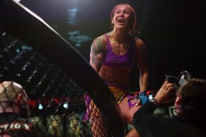 Bellator: Cris Cyborg TKO's Julia Budd to capture Bellator title belt. - Cyborg