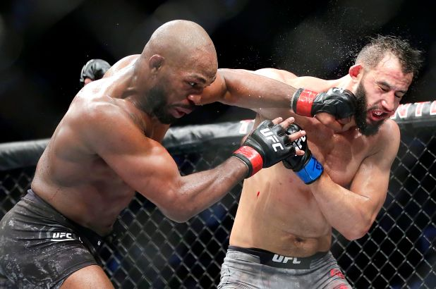 UFC News: Jon Jones claims Dominick Reyes 'started to give up' during their fight and tells him to 'take responsibility' for the loss - Dominick