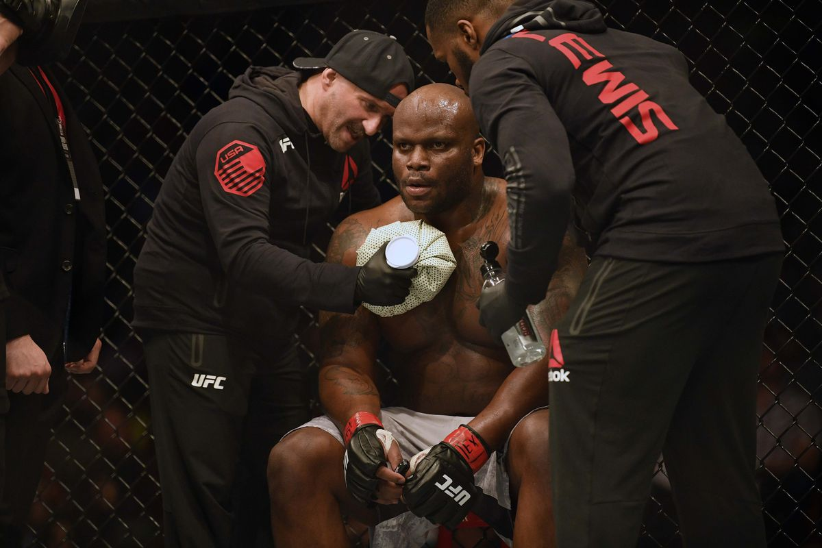 UFC News: Derrick Lewis details mysterious 'life or death' situation that happened to him - Derrick