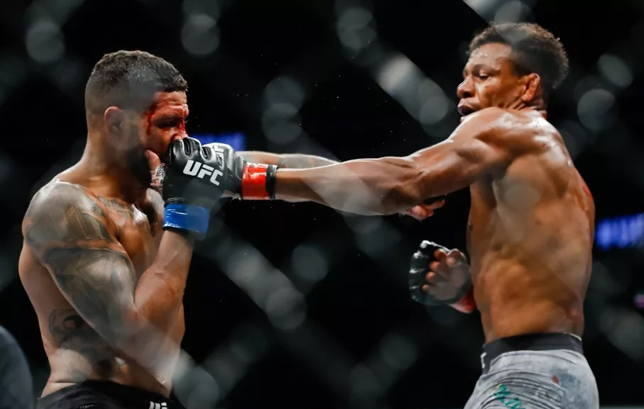 UFC 248 Results - Alex Oliveira Spoils Max Griffin's PPV Debut with a Split Decision Win -