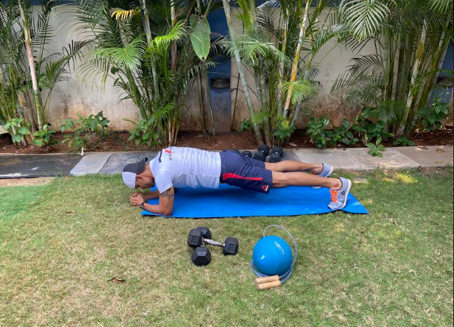 THE RIGHT WAY TO GET FIT DURING A LOCKDOWN By Nelson Paes -