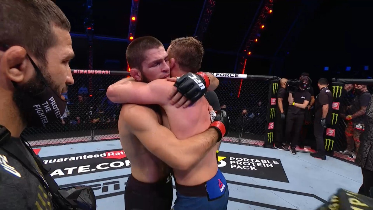 UFC 254: Khabib Nurmagomedov chokes out Justin Gaethje in the second round - UFC