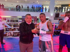 Mizoram Sports Minister Robert Romawia Royte offers full support to boxer Lalrinsanga Tlau - Lalrinsanga Tlau