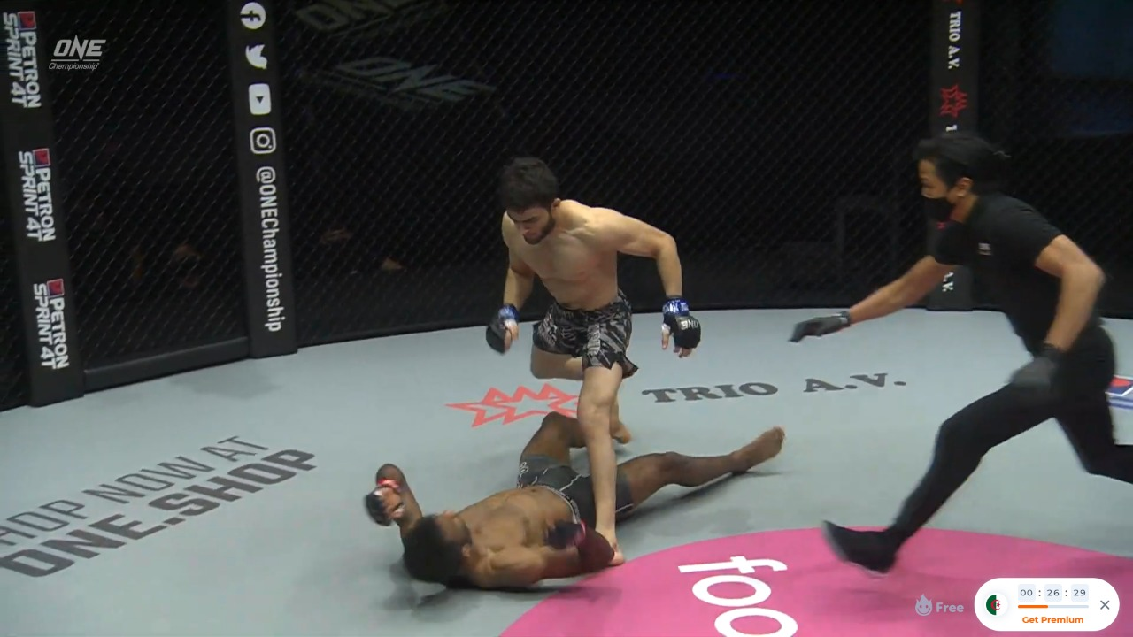 VIDEO: Ahmed Mujtaba brutally knocks out Rahul Raju in the first round - Rahul