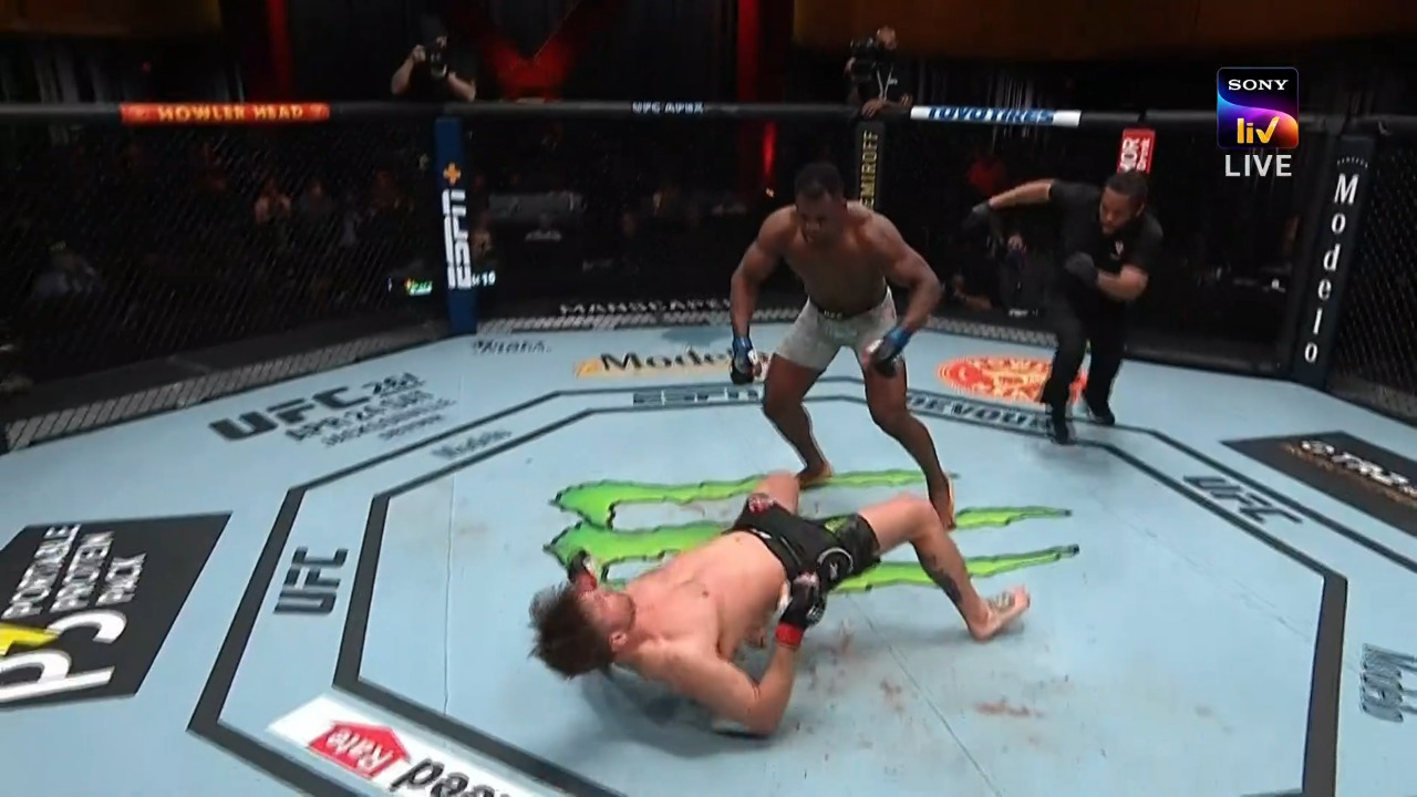 UFC 260: Francis Ngannou defeats Stipe Miocic via TKO in Round 2 - Ngannou