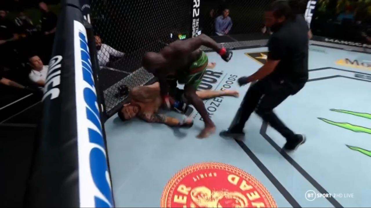 UFC Vegas 28: Jairzinho Rozenstruik knocks out Augusto Sakai in Round 1 - Jairzinho